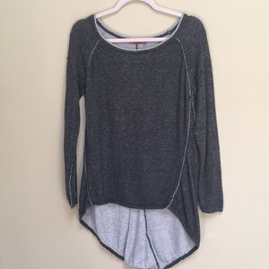 Belldini  Long Sleeve Gray Knit Top Size M